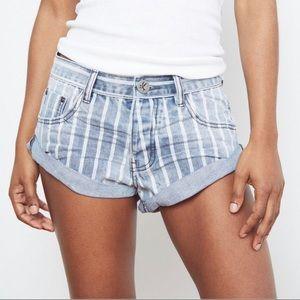 "One Teaspoon Bandit denim shorts in ""Rocky"""